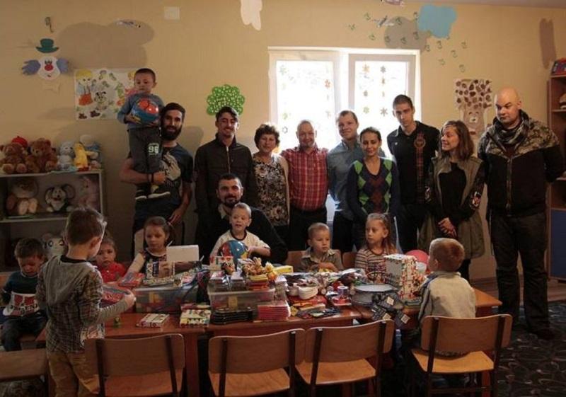 Puno poklona za decu u vrticu u Velikoj Hoci